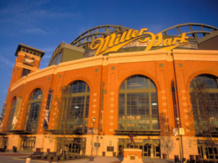 Chicago Cubs vs Milwaukee Brewers at Miller Park