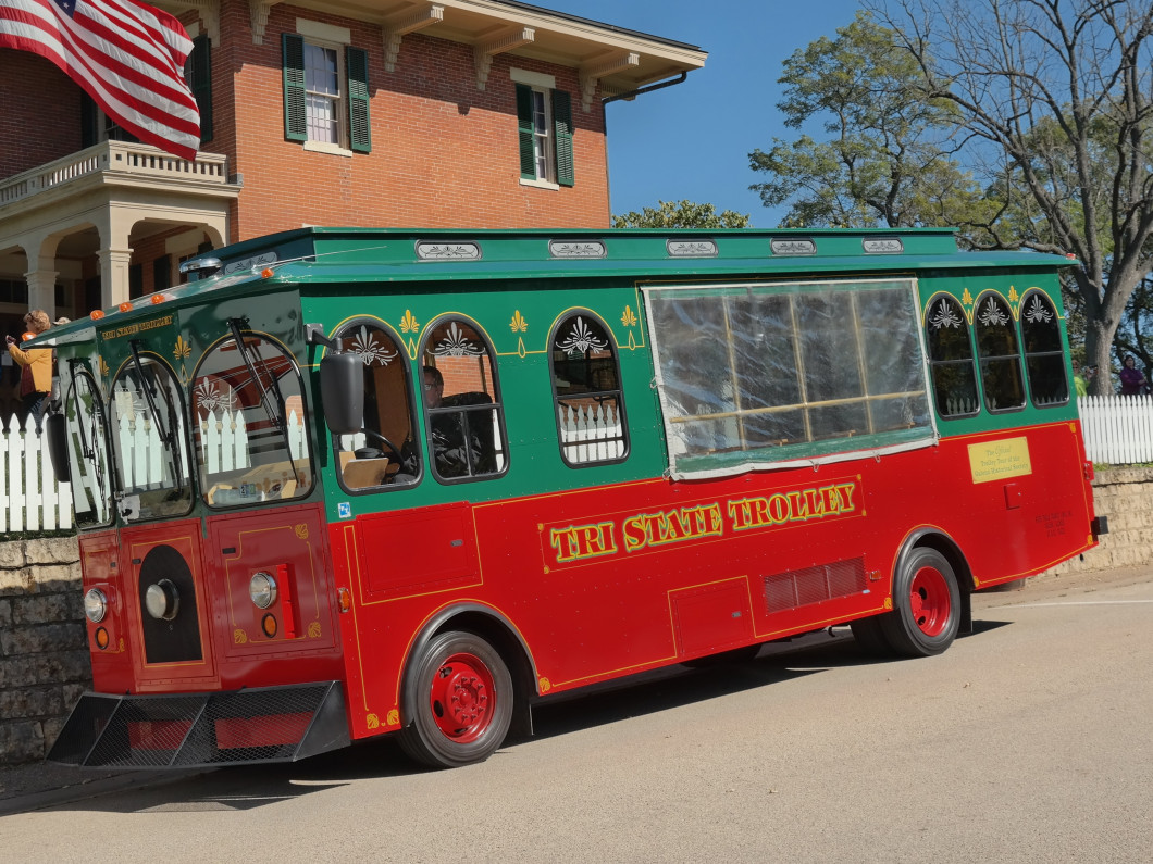 The Best Trolley Tour in Historic Galena, Illinois!